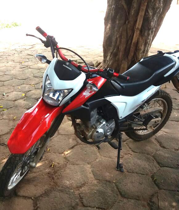Foto de Policia Militar de Sapucaia Recupera moto roubada em Xinguara