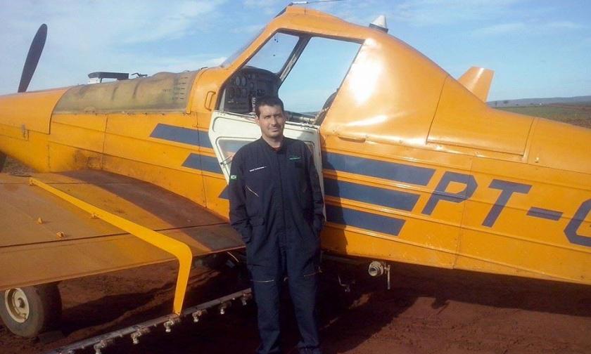 Foto de Avião agrícola cai em Santana do Araguaia, o piloto morreu no local