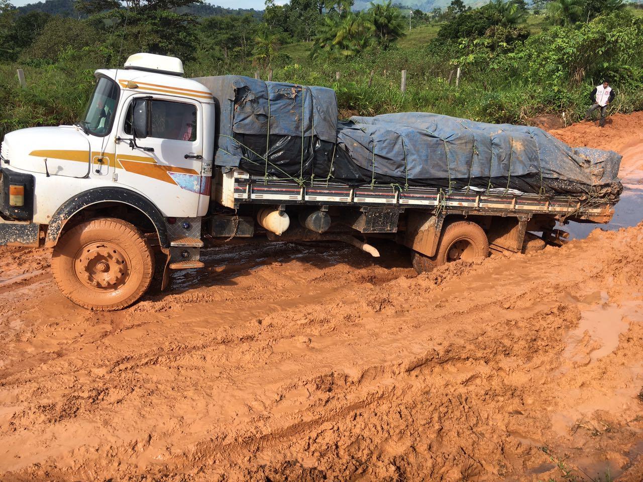 Foto de Estrada que liga a sede do município de São Félix ao Distrito Taboca está intrafegável