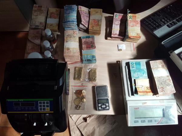 Foto de Polícia Federal prende em Tucumã, empresários de venda de ouro