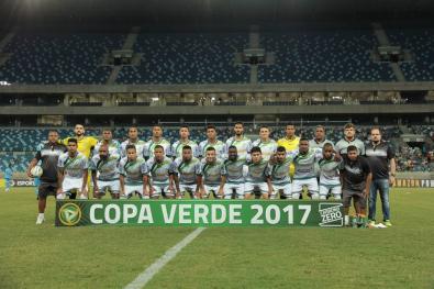 Foto de LEC segura pressão e é campeão da Copa Verde