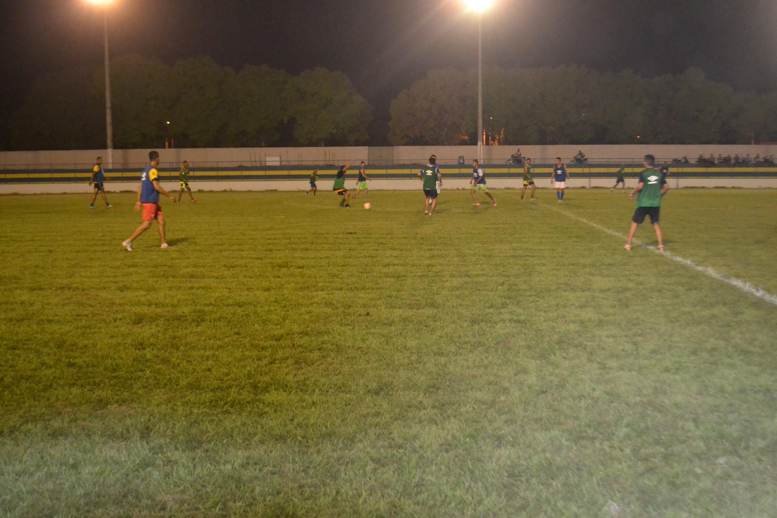 Foto de Seleção de Xinguara treina visando jogo festivo em comemoração ao aniversario da cidade