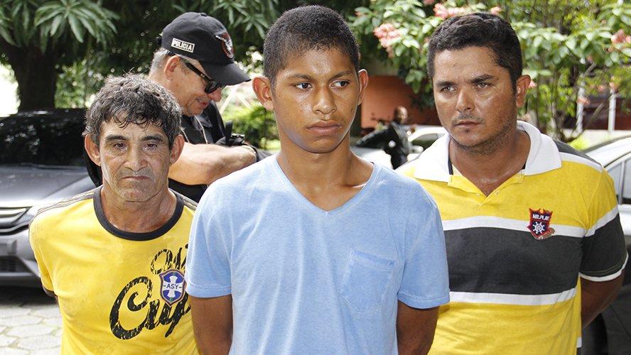 Foto de Polícia apresenta em Belém, três suspeitos da chacina da cristalino