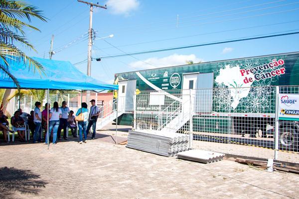 Foto de Carreta do Hospital do Câncer de Barretos esteve em Xinguara atendendo pacientes