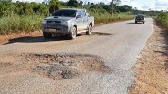 Foto de Usuários denuncia buraqueira na PA-279, no sul do Pará