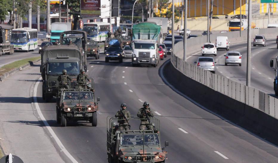 Foto de Mais de 10 mil militares e policiais reforçam segurança no Rio de Janeiro