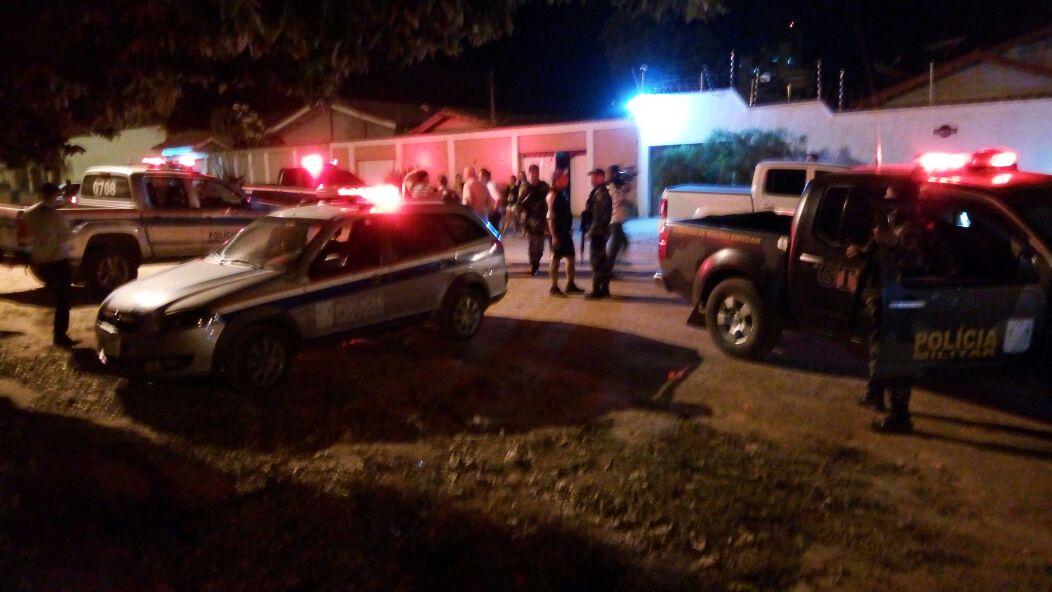Foto de Polícia investiga assassinato de pai e filho em Redenção
