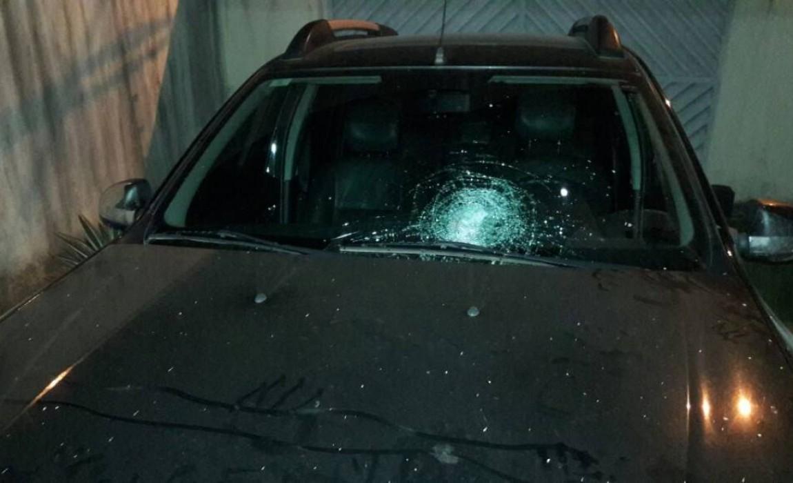 Foto de Em Parauapebas ladrões tentam parar veículo a pedrada