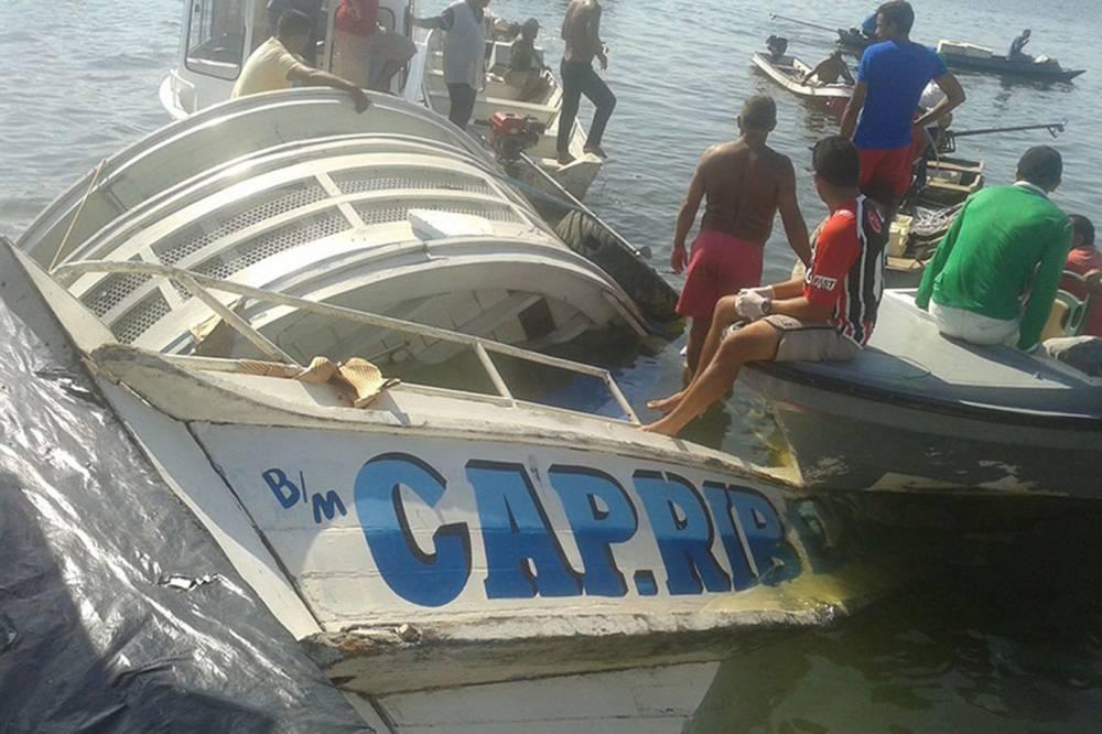 Photo of Navio com cerca de 70 pessoas naufraga no Rio Xingu, no Pará