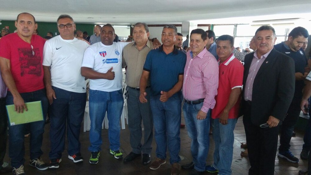 Foto de Adelcio Torres é aclamado presidente da Federação Paraense de Futebol