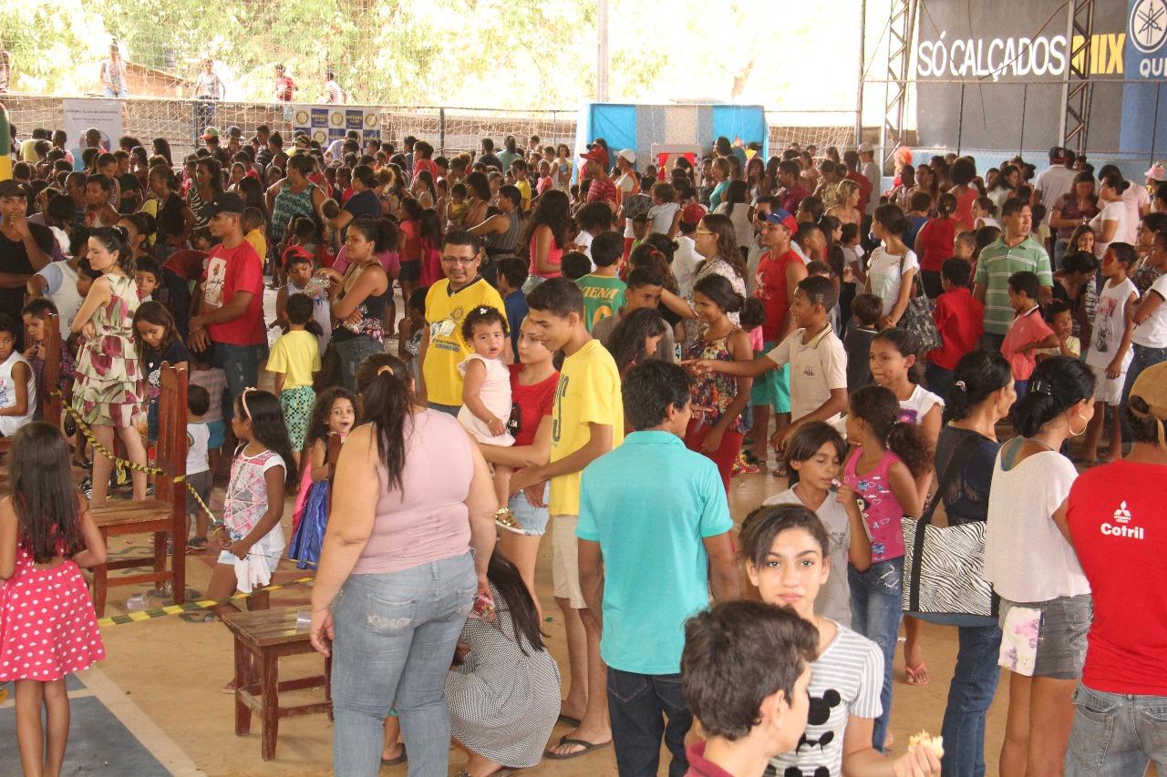 Foto de Rotary Club de Xinguara reúne centenas de crianças para comemorar o 12 de outubro
