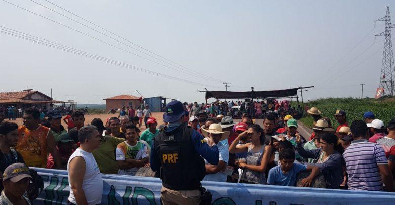 Photo of Interdição da BR 155 já entra no 2º dia, os trabalhadores do MST pretendem continuar com o protesto