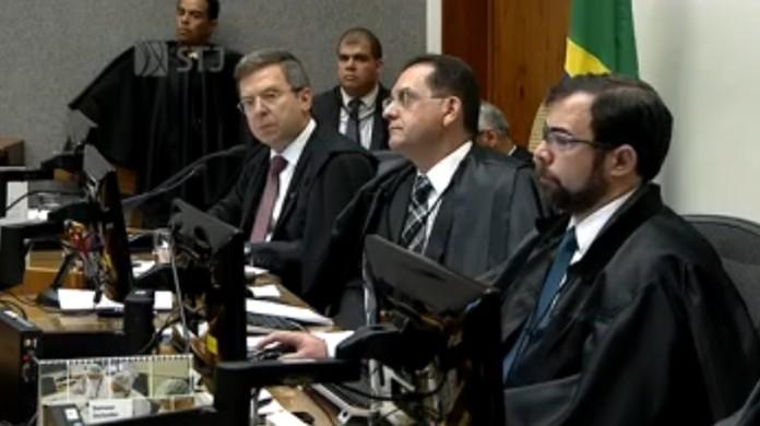 Foto de Dois dos cinco ministros da Quinta Turma votam no STJ contra habeas corpus preventivo e em favor da prisão de Lula
