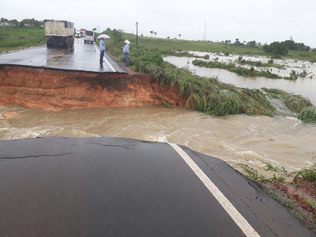Foto de Estado identifica problemas em estradas e inicia ações de recuperação
