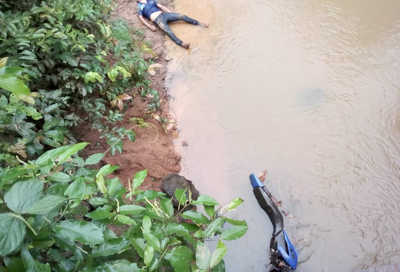 Foto de Moto caiu de cima de ponte e um homem morre e outro fica ferido no Distrito São José em Xinguara