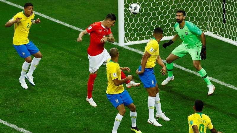 Foto de Fifa considera arbitragem de Brasil x Suíça correta, mas condena replay no telão