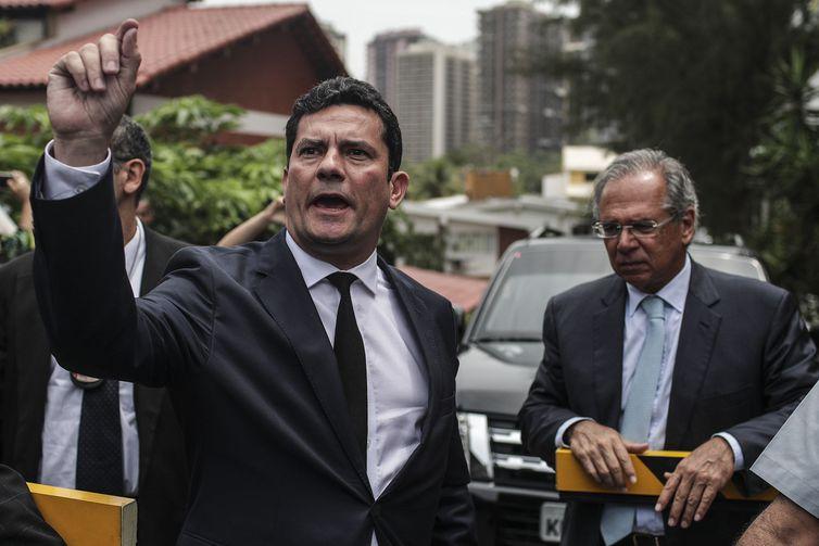 Foto de Moro aceita convite para ser ministro da Justiça no governo Bolsonaro
