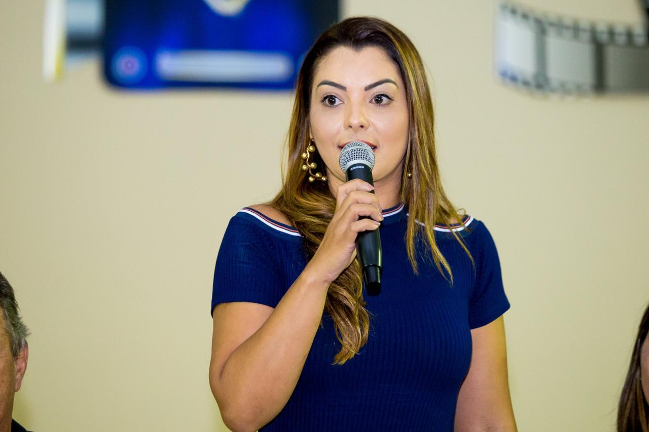 Foto de Secretária de Saúde de Xinguara Janaína Pereira, completa mais um ano de vida